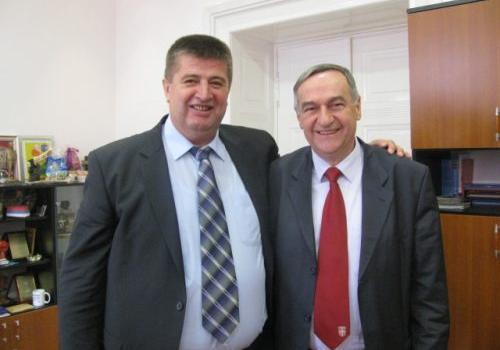 Slavkan i Zoran, pozicija i opozicija u igri mačke i miša