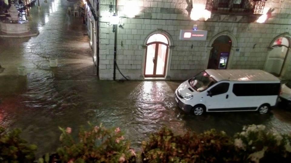 Potopljena Glavna ulica.jpg
