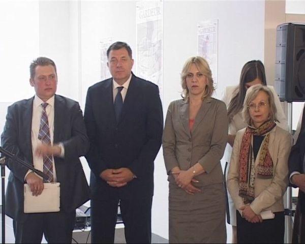 Vucetic Dodik i Cvijanovic na otvaranju fabrike.jpg